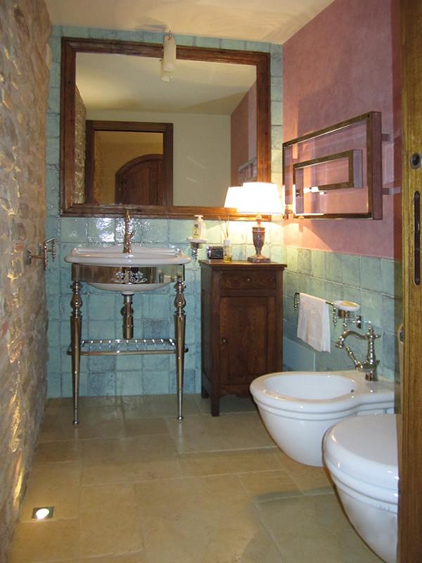 Interni bagno n 1 edilizia e restauri geco marche - Marche piastrelle bagno ...