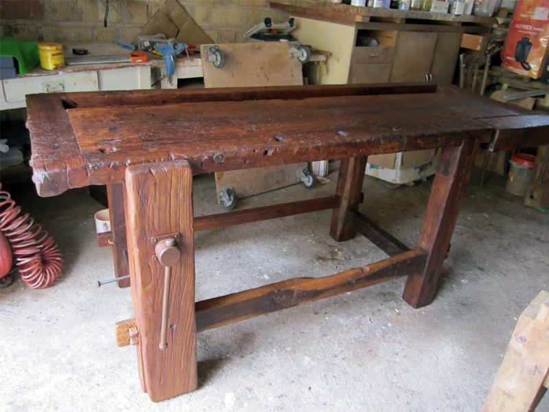Tavolo vecchio da cucina idee creative di interni e mobili - Tavolo lavoro cucina ...